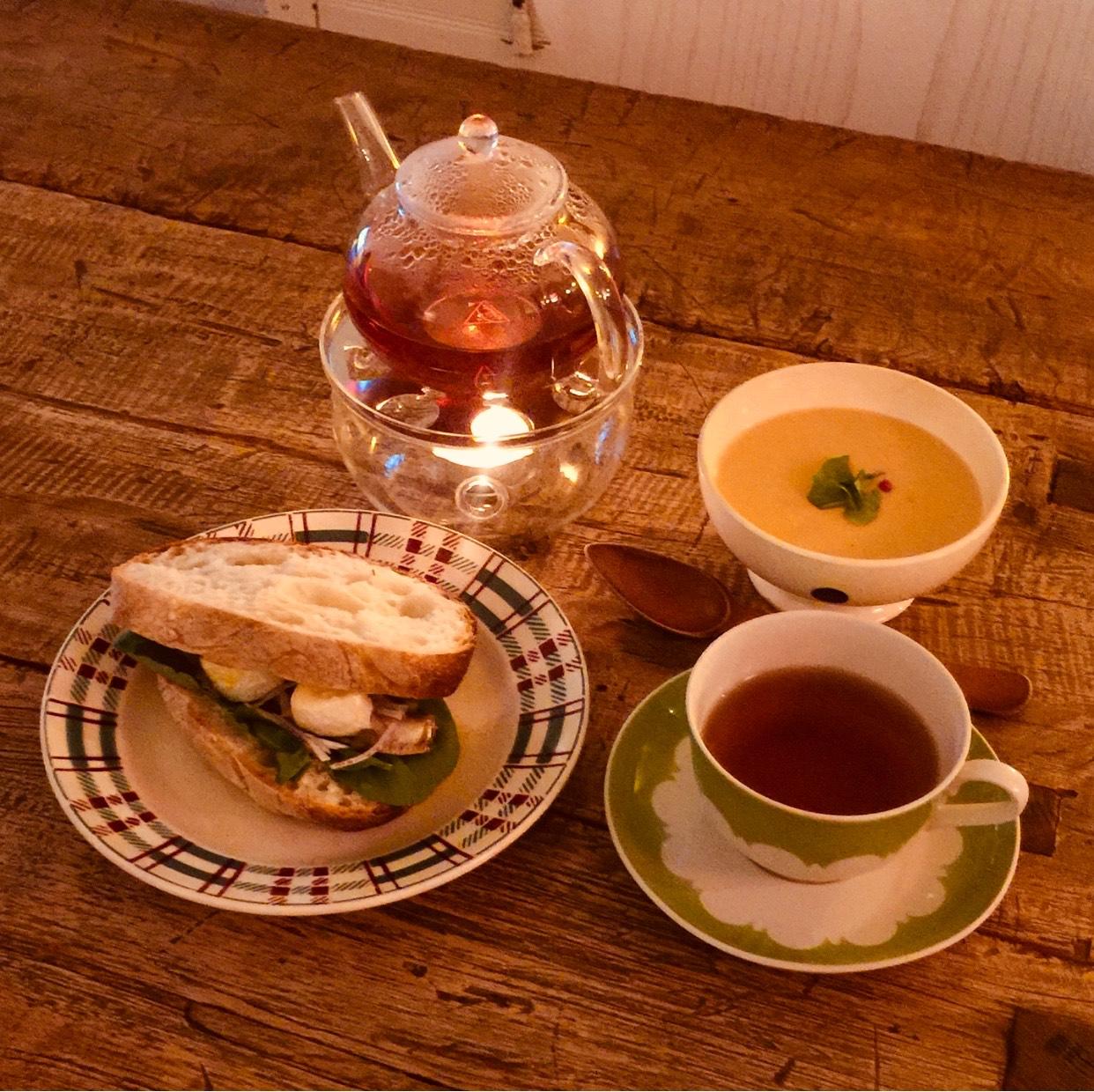 【火曜朝枠のお店紹介】ボンジュール紅茶-サンドウィッチとポタージュと たっぷりの紅茶-